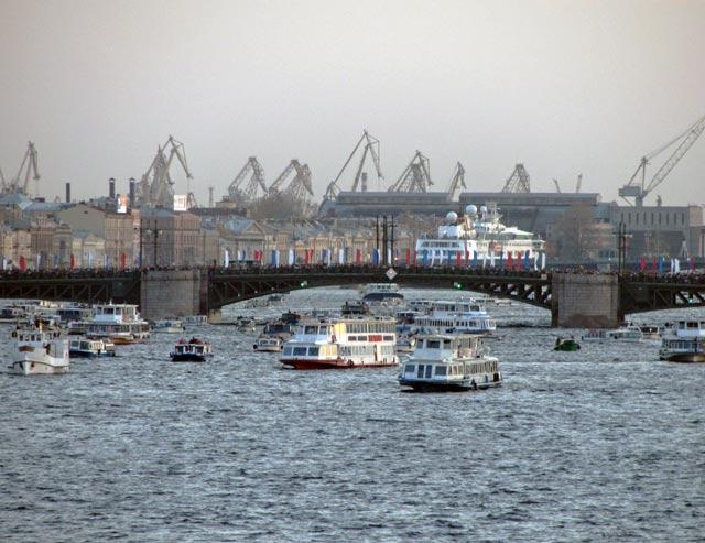 Поправки регламента России о безопасности объективного внутреннего водного транспорта начинают действовать с 14 мая