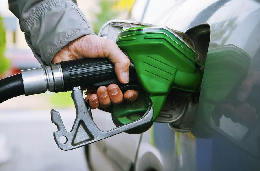 Казахстану разрешили использовать бензин K2 до начала 2018 года